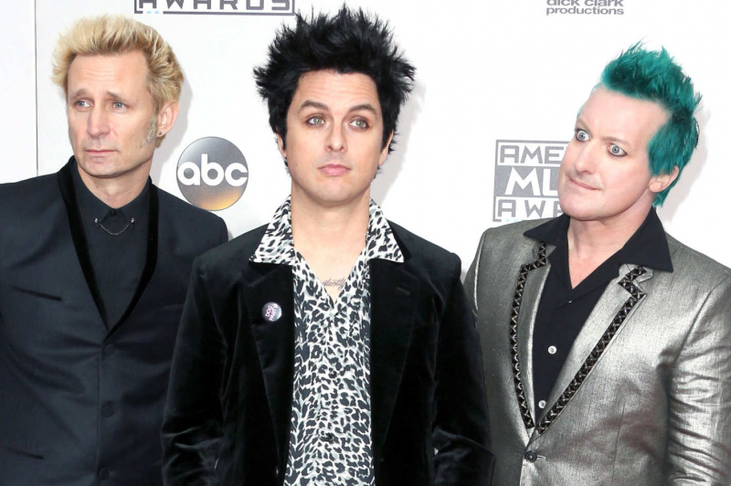 File:Green Day - 2016-11-20 - American Music Awards.jpg